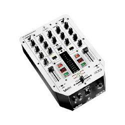 DJ mixer BEHRINGER VMX200