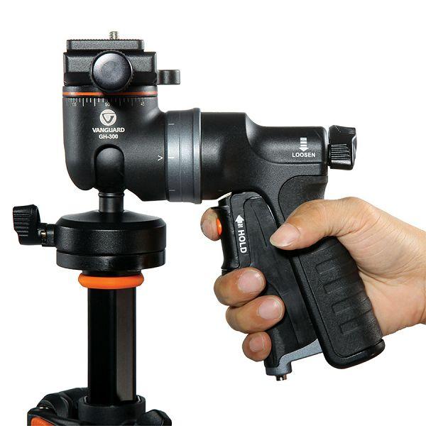 05-gh-300t-ergonomic-grip.jpg