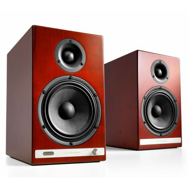 https://www.ronis.hr/slike/velike/bezicni-zvucnici-audio-engine-hd6-cherry-aehd6-chr-230v-eu_2.jpg