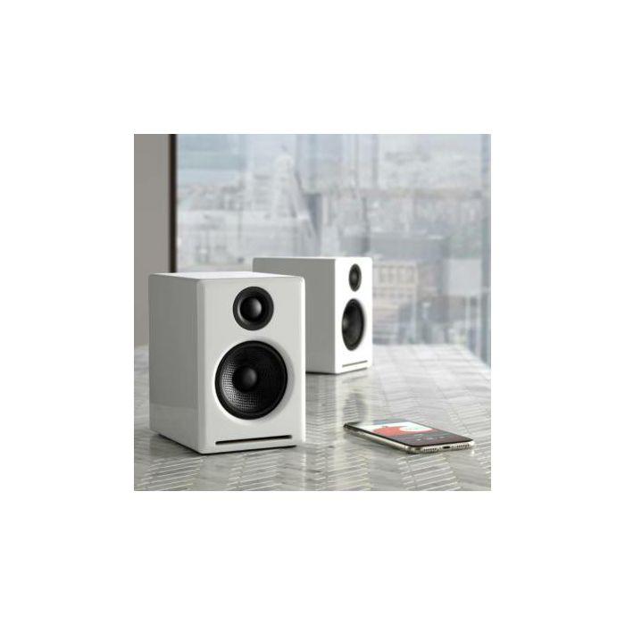https://www.ronis.hr/slike/velike/zvucnici-audioengine-a2bt-bijeli-aktivni-aea2btwht_4.jpg